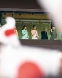 祝成年!一般参賀に佳子さま初出席と陛下、改憲への憂慮