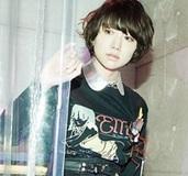 【Julie Watai】少女の歪んだ欲望を最高クオリティの自撮りで写す現代アーティスト