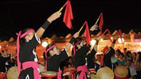 チェッカーズ、オレンジレンジ、DJ OZMA…J-POPでパラパラのように踊る知られざる南米のマツリ・ダンス文化