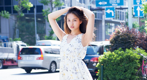 今月のインタビュー/  【箭内夢菜】ポカリガールで注目の美少女、オフィス街に降臨