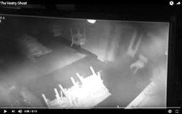 鮮明すぎる少女の幽霊、少女幽霊ヒッチハイカー…YouTubeで愉しめる!最恐(?)心霊動画ファイル