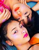 【MARINA & ERIKA】極彩色グラビア!Tik Tok美人ハーフ姉妹がレトロ機材に遭遇
