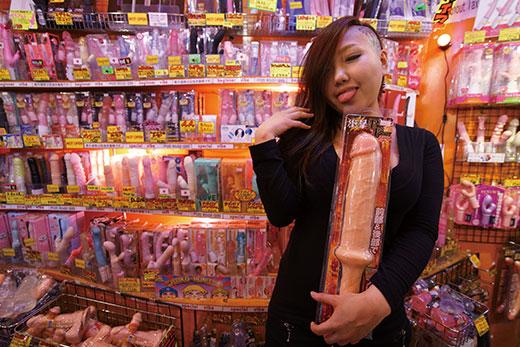 【アッシュ・ハドソンのアングラ見聞録】渋谷の人気セックストイショップの画像1