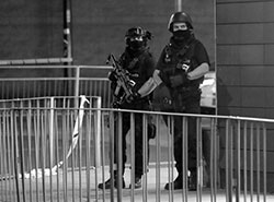 【欧州各地でテロ続発!】ピストルズが歌ったIRAから考える――世界はいま本当に「テロの時代」か?の画像1