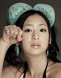 [人前で見せちゃった女]佐山彩香──駅のホームで水着になって......超恥ずかしかったです。