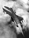 マライアに踏まれたアイツは空の絶対王者!? タッチパネルで操作する米軍戦闘機の今