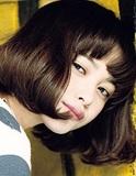【玉城ティナ】大人びた表情に魅了され、マイペースなキャラに翻弄される──15歳の大物感