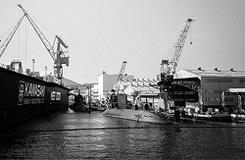"""平和利用への""""期待""""と""""懐疑""""──三菱重工の潜水艦開発でついに動く""""防衛マネー"""""""