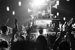 僧侶が繰り出すド派手なコール&レスポンス!「み霊祭り盆踊り大会」で見た、自我を解放させし【盆踊り】の魔力