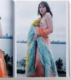 トランスジェンダー、クラシカルヌード…etc. 日本では見られない! 尖りすぎた海外ファッション誌の中身とは