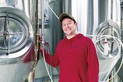 爆弾処理班時代の経験がビール造りに生きている――津軽にハマった元米軍兵がビールを造って町おこし