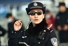 信号無視にポイ捨て、立ち小便もAI解析で即逮捕!!――ロボコップが不審者を監視する! 中国政府が目指す究極のデストピア