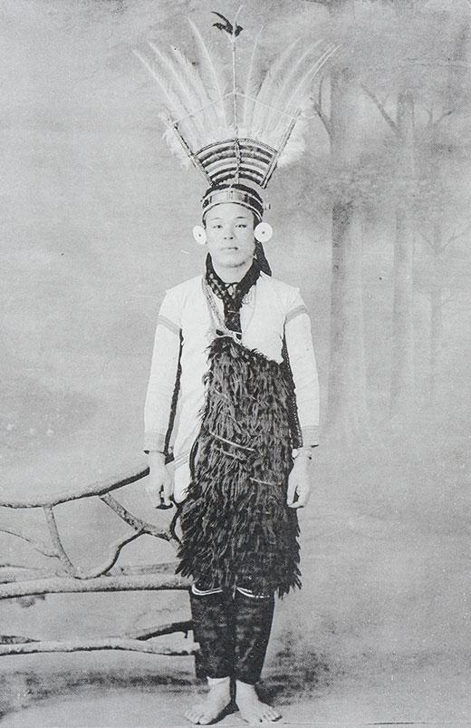1907_P122-125_01_2_520.jpg